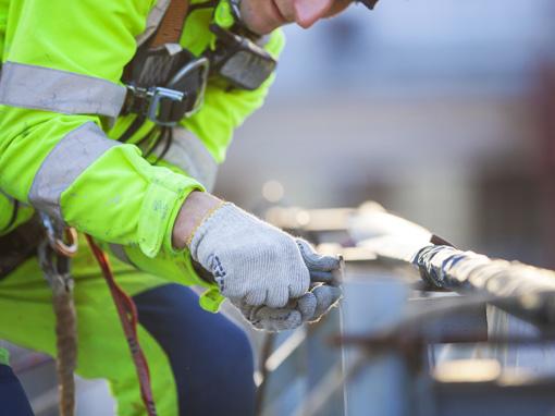 dispositivi monitoraggio per seguire la posizione e la sicurezza sul lavoro dei propri lavoratori isolati