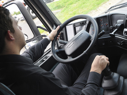 GPS trackers can capture working hours directly from the tachograph in real time